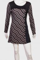 Брендовое платье-туника с геометрическим принтом