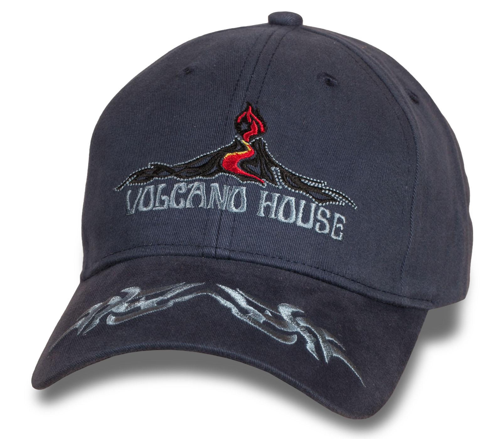Брутальная темная бейсболка Volkano House