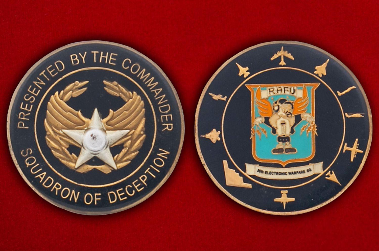 Челлендж коин 30-й эскадрильи радиоэлектронной борьбы - аверс и реверс