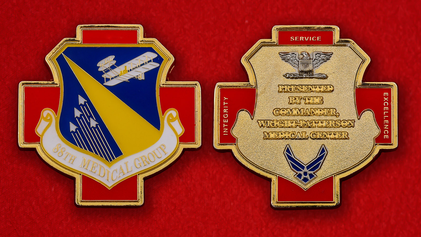 """Челлендж коин """"88-й Медицинской группе от командира авиабазы Райт-Паттерсон"""""""