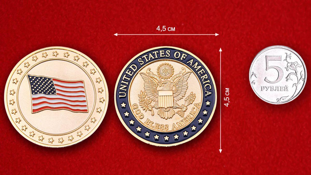 """Челлендж коин """"Боже, храни Америку"""" - сравнительный размер"""
