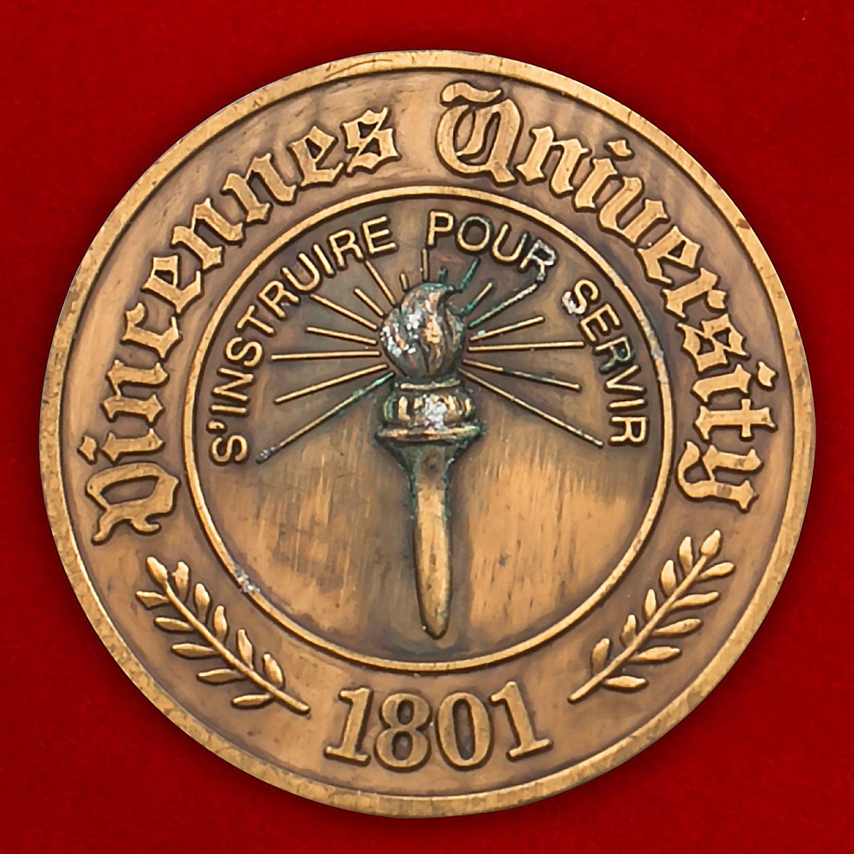 Челлендж коин факультета подготовки военнослужащих Университета Винсеннес