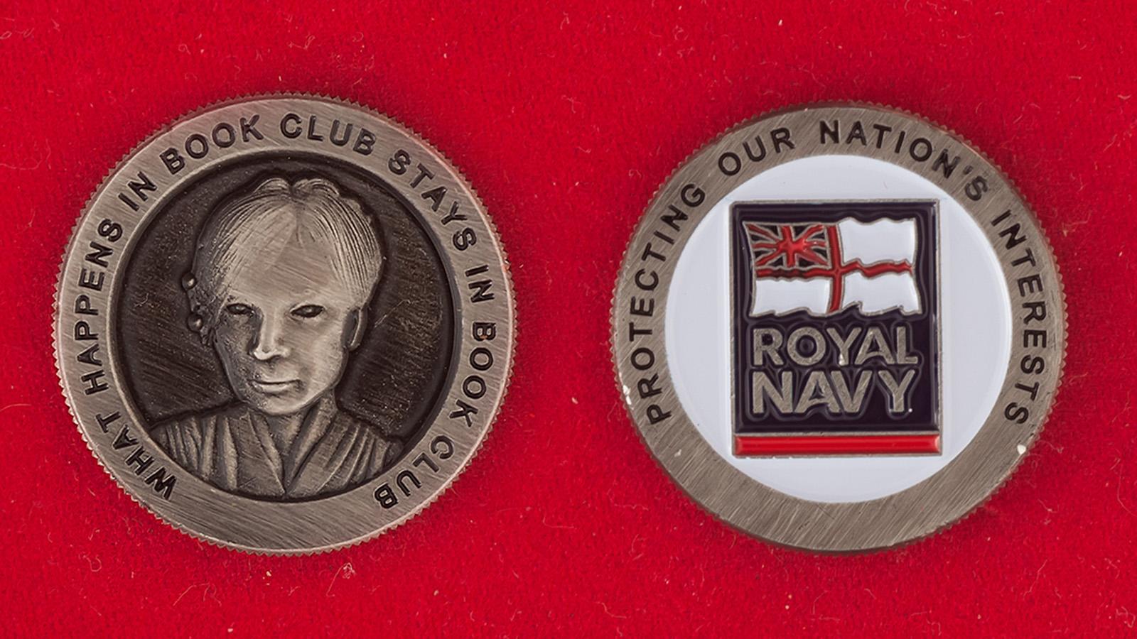 Челлендж коин книжного клуба Королевских ВМС Великобритании - аверс и реверс