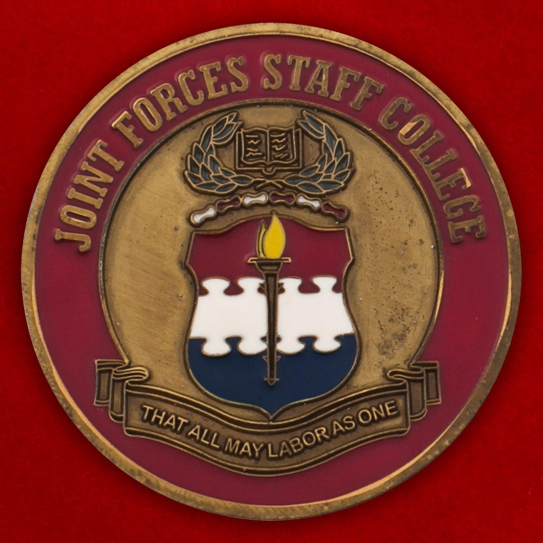 Челлендж коин Колледжа персонала ВС США в Норфолке, штат Вирджиния