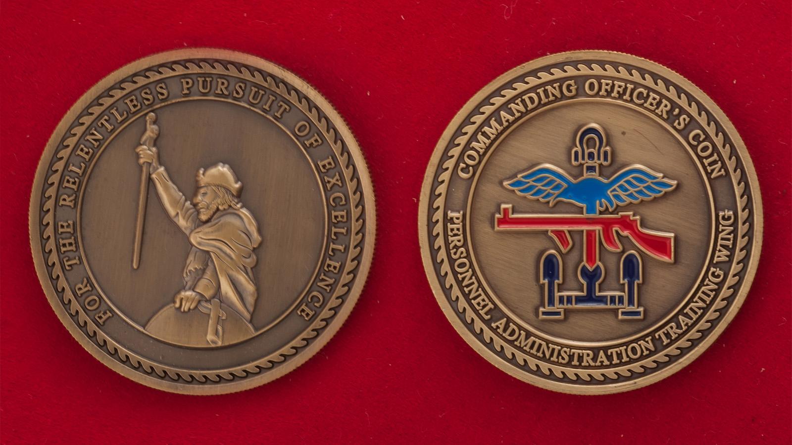 Челлендж коин офицеров учебного крыла управления кадров и тыла Королевских ВВС Великобритании - аверс и реверс