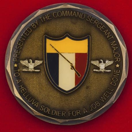 Челлендж коин от командования и мастер-сержанта строевой службы Национальной гвардии штата Кентукки