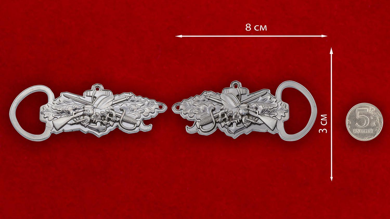 Челлендж коин-открывашка инженерно-строительных батальонов ВМС США - сравнительный размер