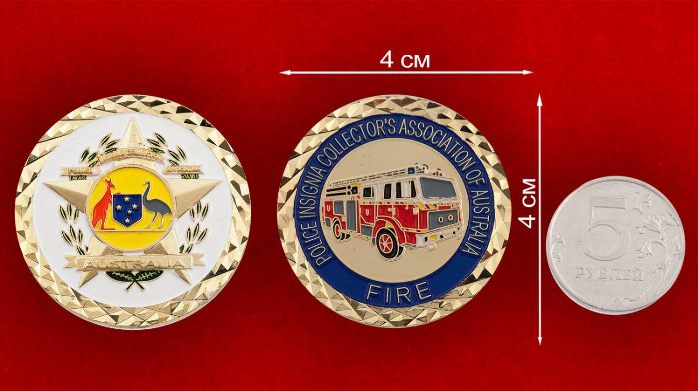 Челлендж коин Пожарной охраны Австралии - сравнительный размер