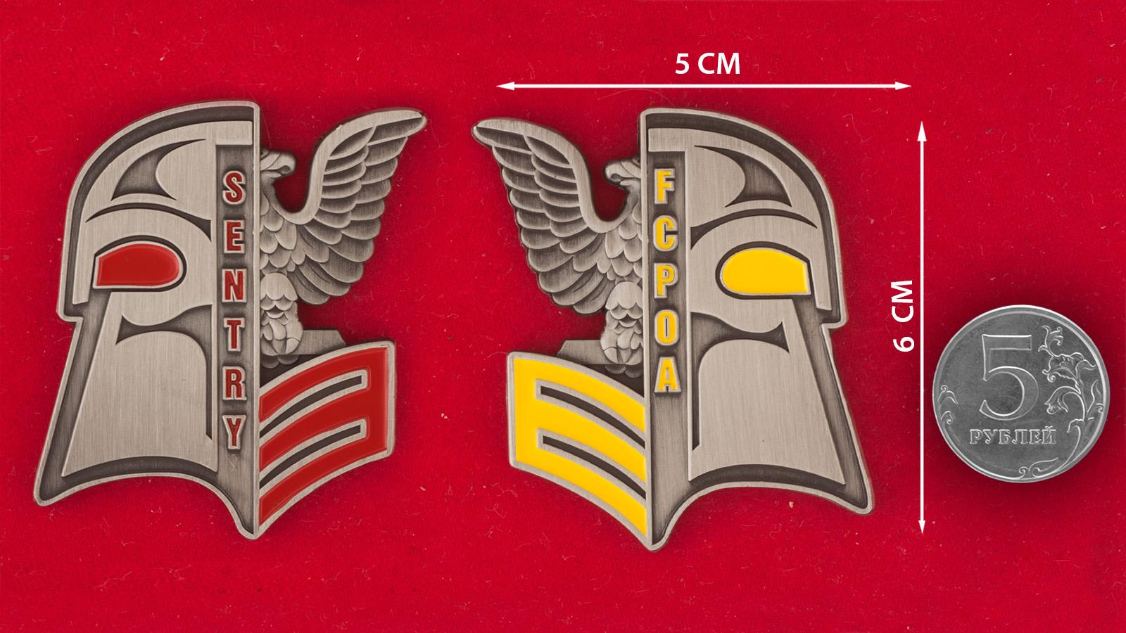 Челлендж коин старшин первого класса минного тральщика ВМС США Sentry - сравнительный размер