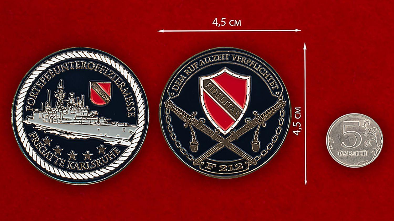 """Челлендж коин унтер-офицера Мессе (фрегат """"Карлсруэ"""") - сравнительный размер"""