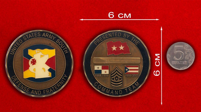 Челлендж коин Южного командования Армии США - сравнительный размер