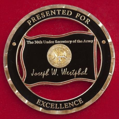 """Челлендж коин """"За особые отличия"""" от заместителя министра Сухопутных войск США Джозефа Вестфала"""