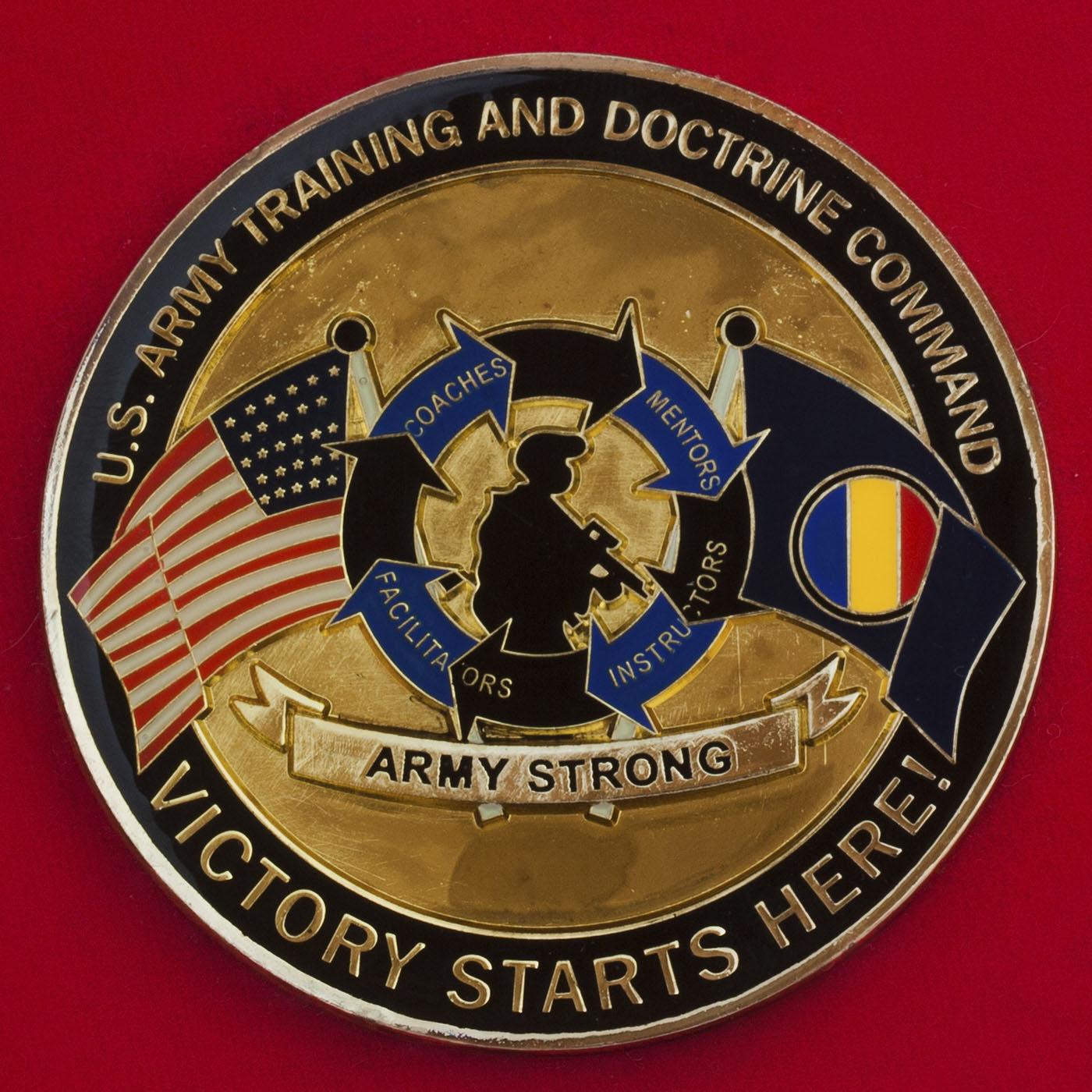 """Челлендж коин """"За отличие"""" от заместителя начальника штаба Командования боевой подготовки и разработки принципов боевого применения сухопутных войск США"""