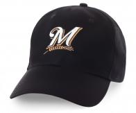 Черная бейсболка для любителей пенного