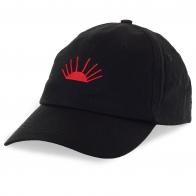 Черная бейсболка с красным восходящим солнцем и вышивкой ГОША на затылке. Такую можно купить только у нас! Серьезно!