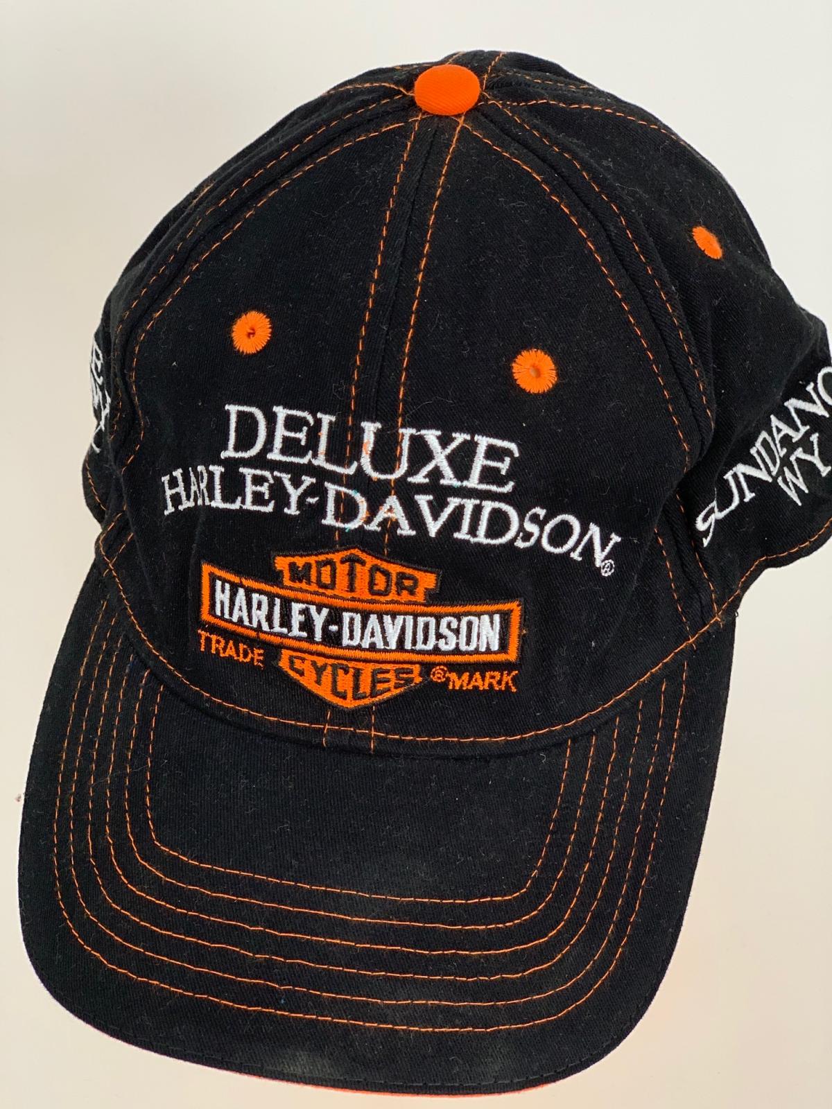 Черная бейсболка Harley-Davidson с бело-оранжевой отделкой