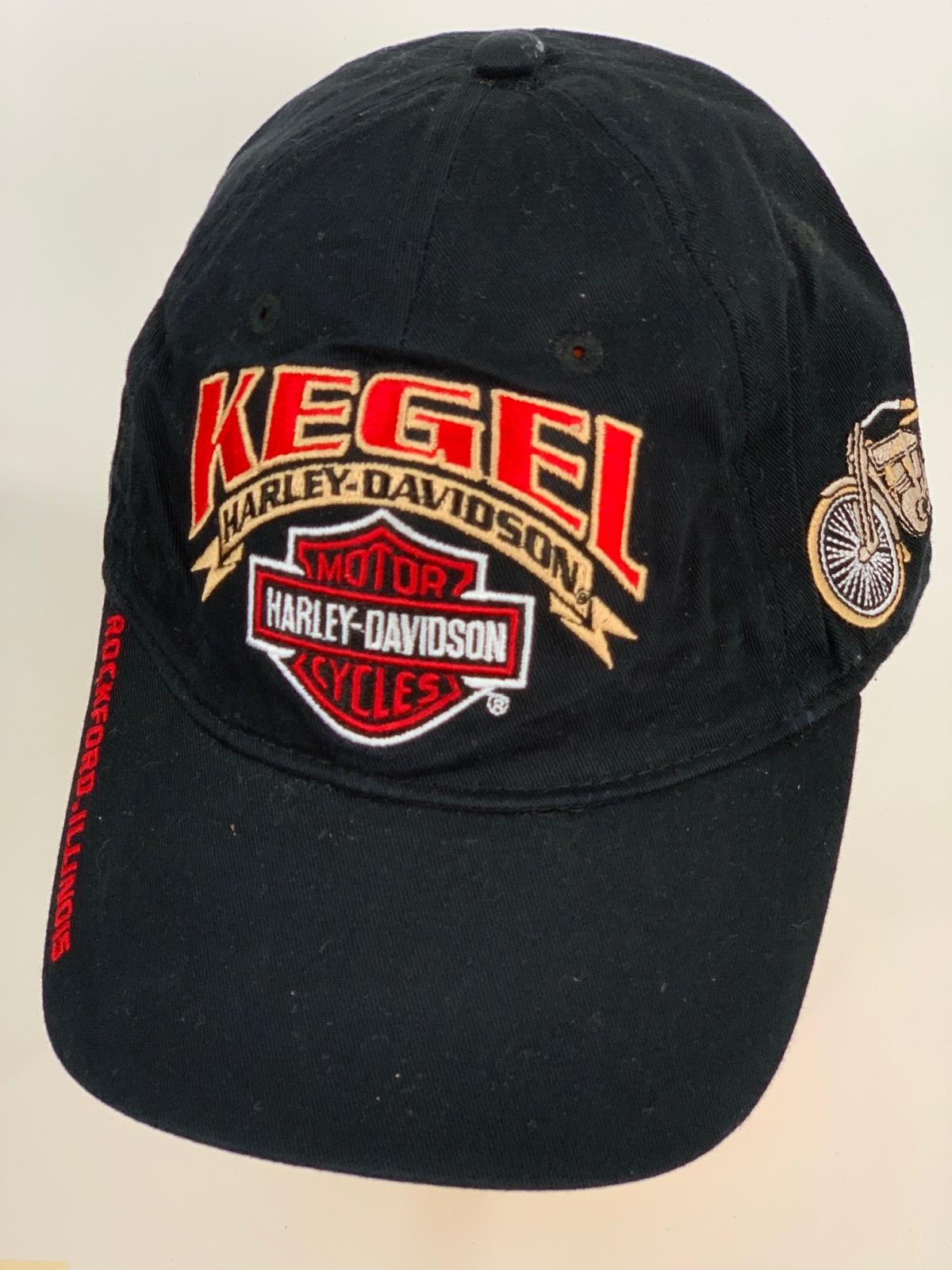 Черная бейсболка Harley-Davidson с красочными вышивками