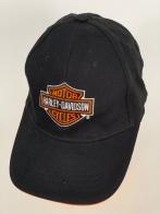 Черная бейсболка Harley-Davidson с оранжево-белой вышивкой