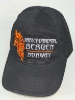 Черная бейсболка Harley-Davidson с оранжевой вышивкой и белой надписью