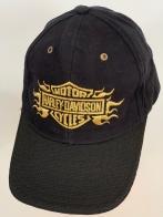 Черная бейсболка Harley-Davidson с желтой вышивкой и текстурным козырьком