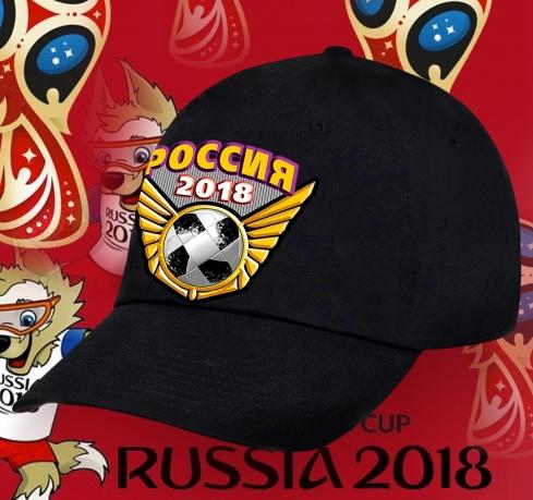 Черная бейсболка Россия с футбольной символикой.