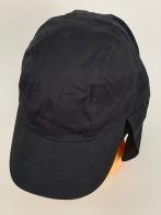 Черная бейсболка с дополнительной защитой для шеи