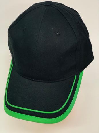 Черная бейсболка с двумя зелеными полосами на козырьке