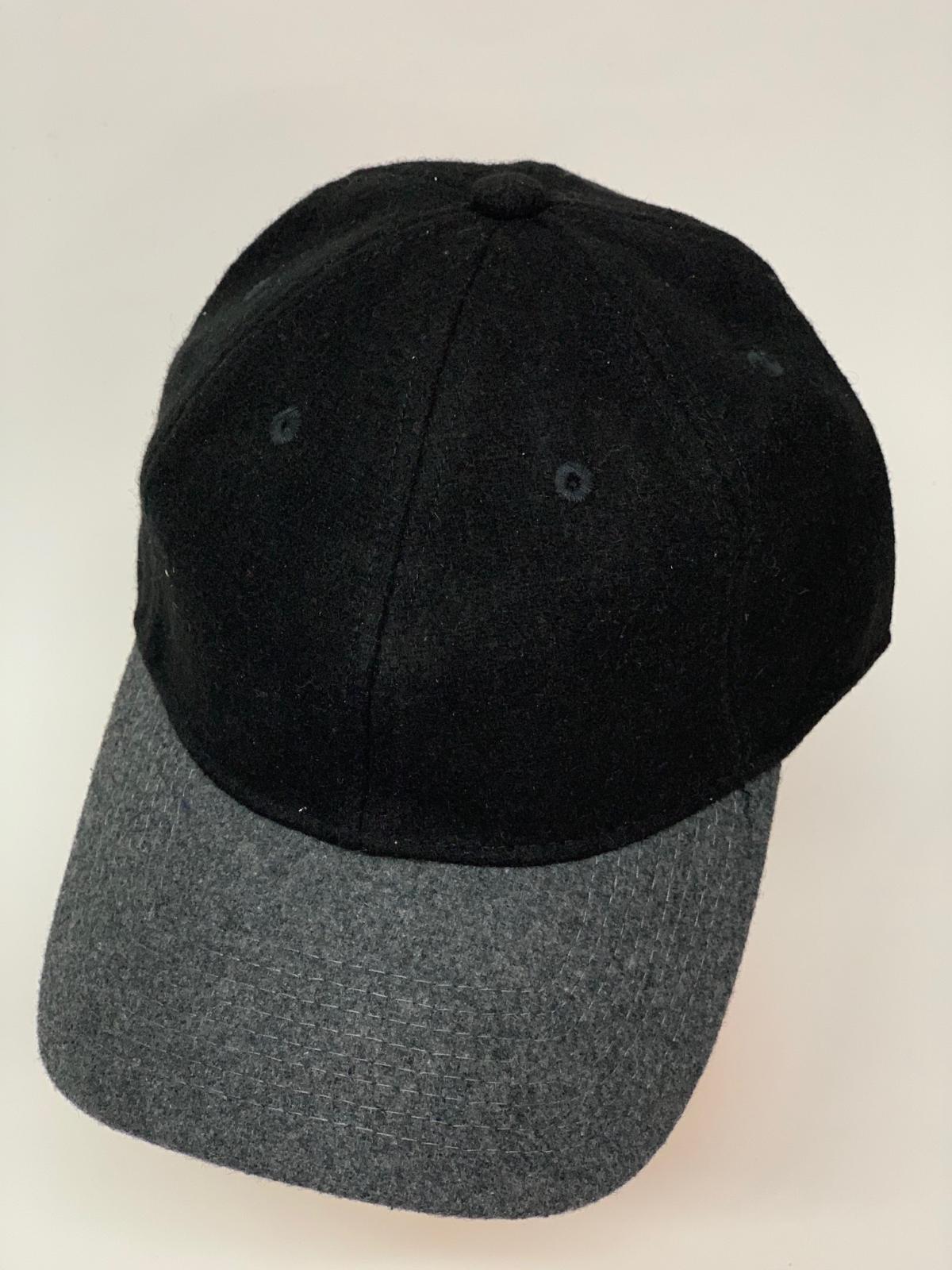 Черная бейсболка с люверсами и серым козырьком