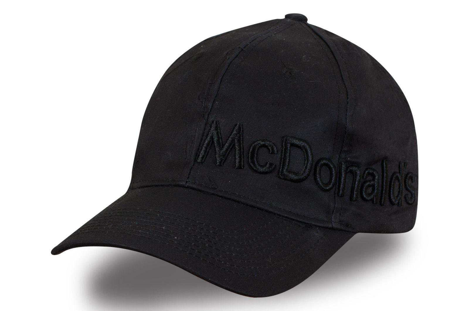Чёрная бейсболка с надписью - заказать с доставкой