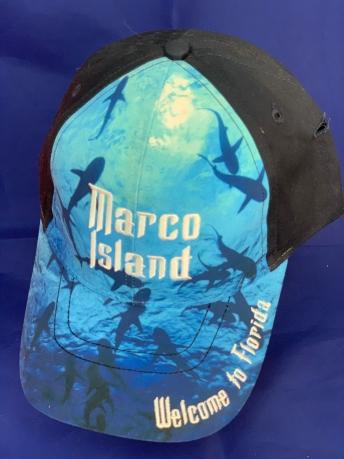 Черная бейсболка с цветным принтом и надписью Marco Island