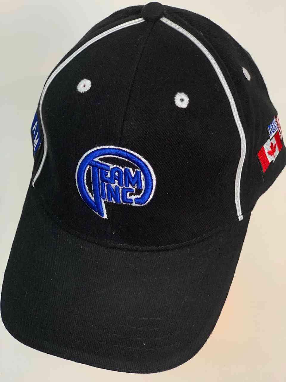Чёрная бейсболка с яркой нашивкой Team Inc.