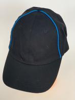 Черная бейсболка со стильными голубыми полосками
