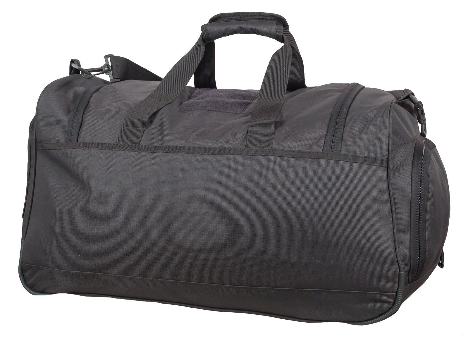 Черная дорожная сумка с тематической нашивкой для рыбаков заказать по выгодной цене
