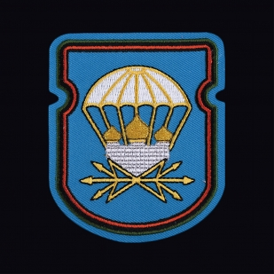 Черная футболка с вышитой эмблемой 731 ОБС 106 гв. ВДД - заказать онлайн