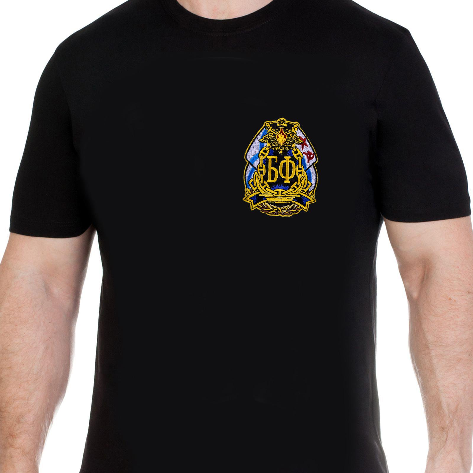Черная футболка с вышитым шевроном Балтийского флота