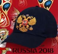 Черная классическая бейсболка с современным принтованным золотым гербом Российской Федерации трендовый аксессуар и для фанов и для патриотов