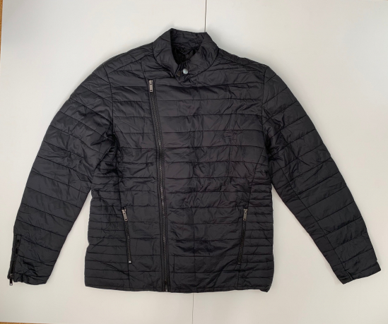 Черная крутая куртка для мужчин
