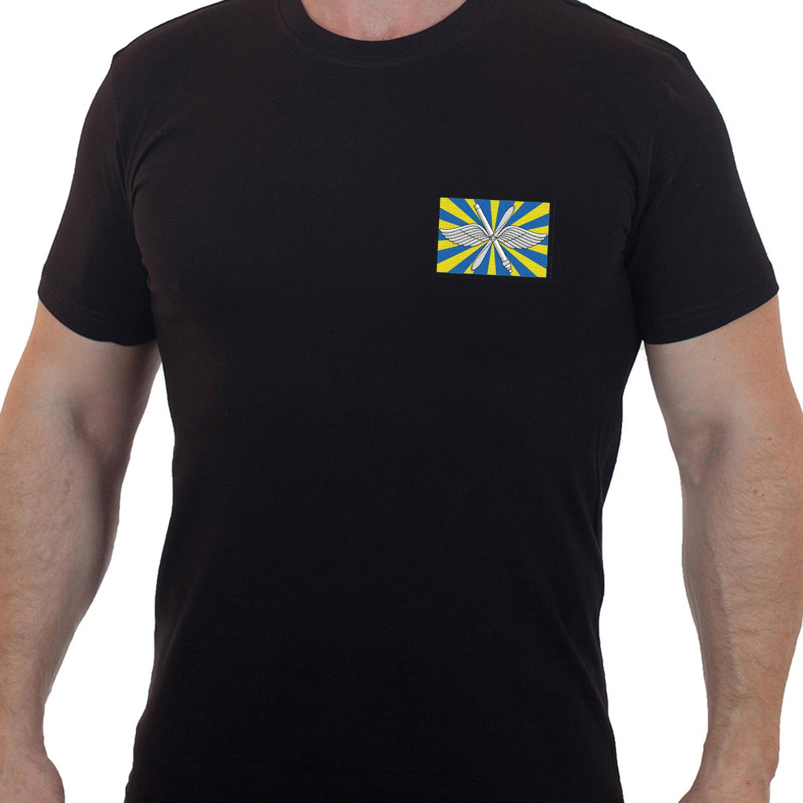 Черная мужская футболка с вышитым шевроном ВВС РФ