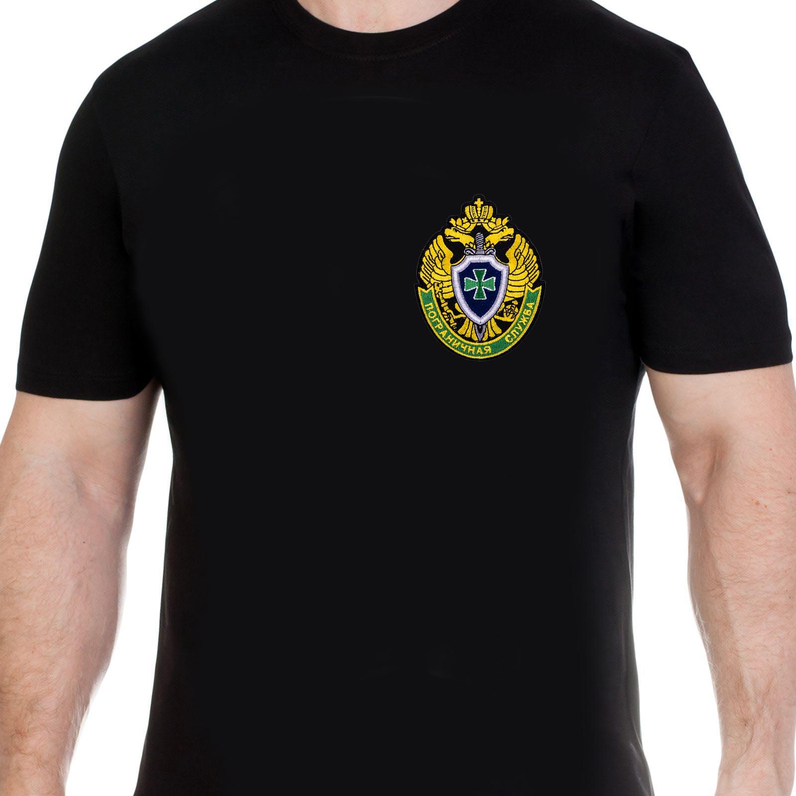 Черная мужская футболка в пограничном дизайне