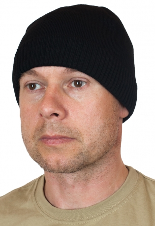 Черная однотонная шапка для мужчин