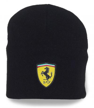 Черная шапка Ferrari