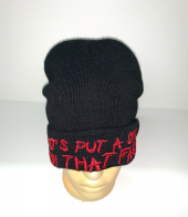 Черная шапка с красной надписью