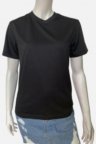 Черная женская футболка классического кроя