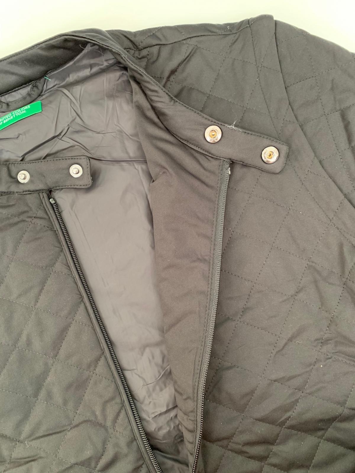 Черная женская курточка