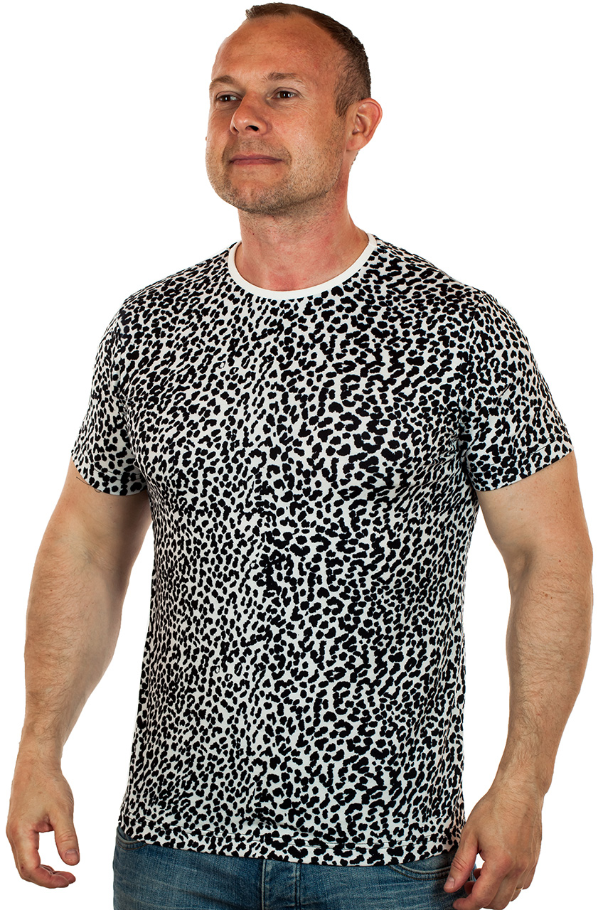 Купит летнюю мужскую футболку