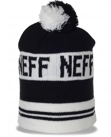 Черно-белая мужская шапка Neff в непринужденном стиле. Комфортная модель для спорта и не только