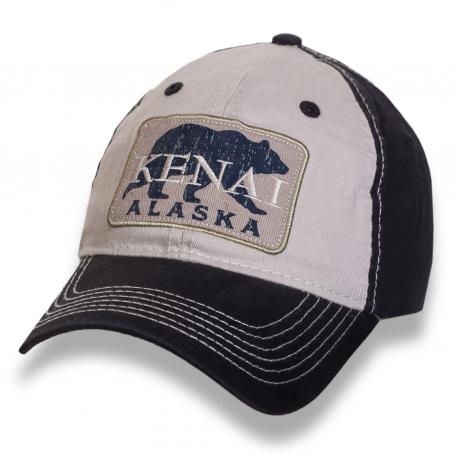 Черно-бежевая бейсболка Alaska с нашивкой с медведем