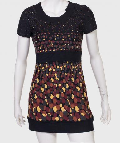 Купить черное приталенное платье с оригинальным принтом от Natura
