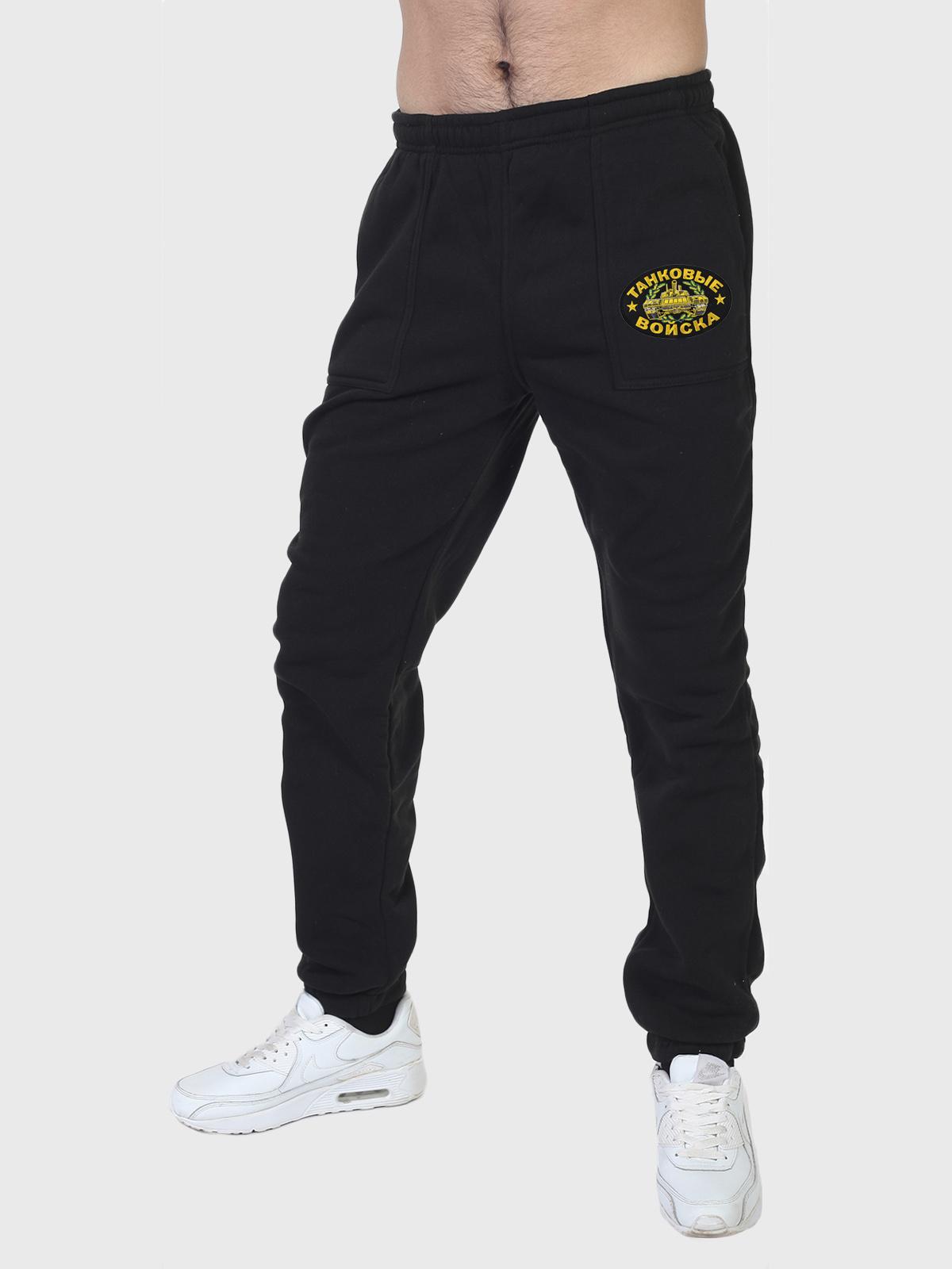 Черные утепленные спортивные штаны танкиста с вышитой нашивкой