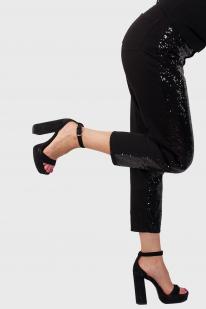 Черные женские брюки-джинсы от Monki (Швеция) с удобной доставкой